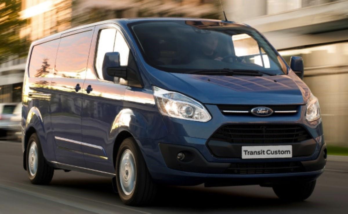 Alcar Alquiler De Vehículos Grupo M 1 Monovolumen Minibus Ford Transit Opel Vivaro cantabria