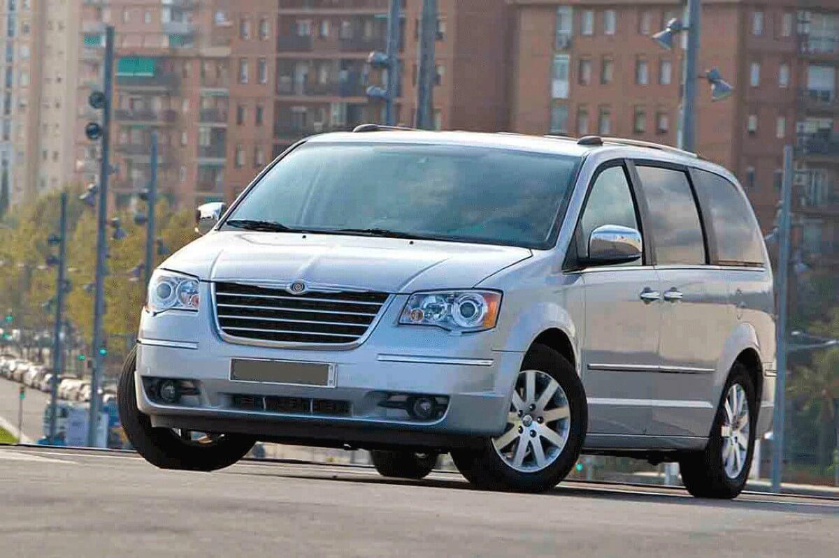 Alcar Alquiler De Vehículos Grupo N Chrysler Voyager Kia Carnival cantabria
